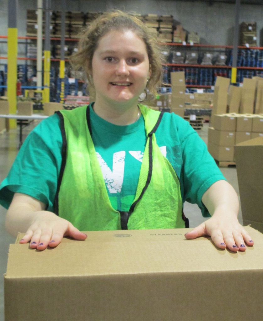 Individuals in our Career Discovery Experience gain job skills through volunteer work.
